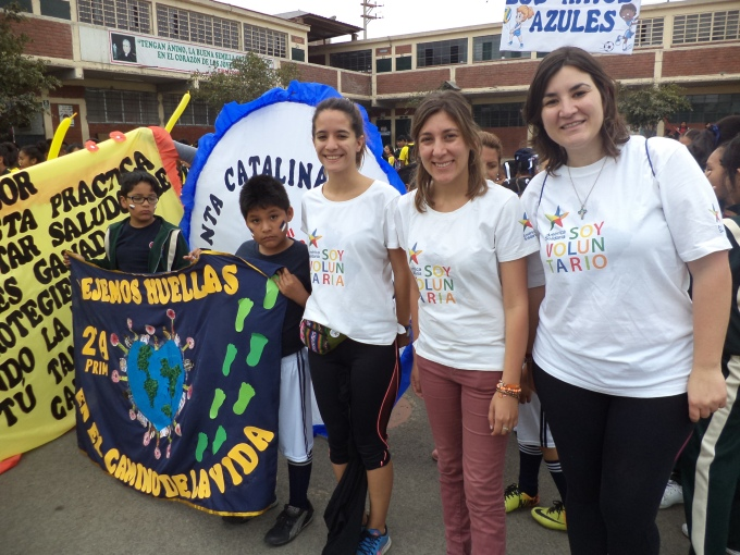 Three volunteers from America Solidaria kick off programme in Colegio Fe y Alegria